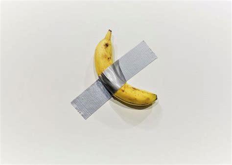 la historia tras la insolita banana de   dolares