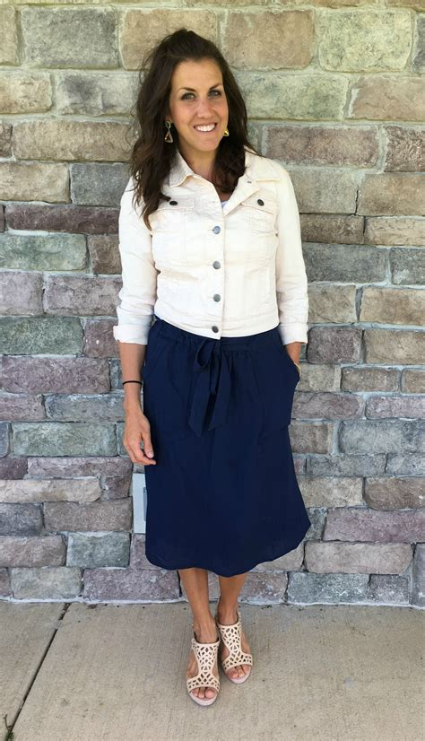 Real Mom Style Navy Skirt Outfit - momma in flip flops