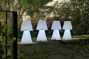 Lampe De Table Exterieur : lampadaire exterieur design cgrio ~ Teatrodelosmanantiales.com Idées de Décoration