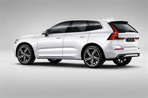 Volvo Car : New Volvo Xc60 Unveiled At Geneva 2017 By Car Magazine