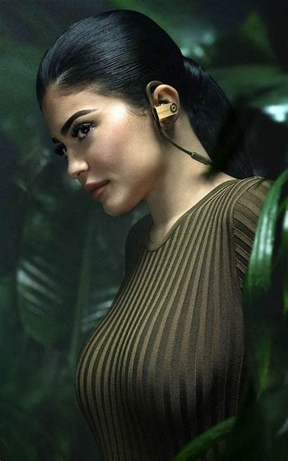 Kylie Jenner Balmain Mobile 4k Wallpapers Pure