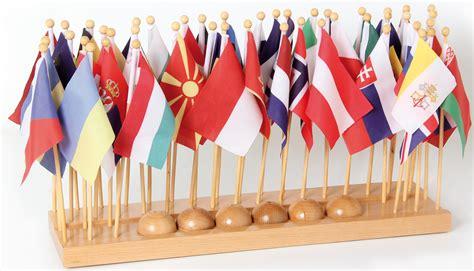 porta a bandiera porta bandiera con bandiere europa montessori vivo