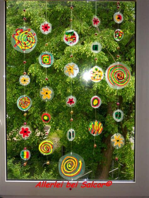 Herbst Fenster Bemalen by Fensterdekoration Aus Plastikverpackungen Mit Window