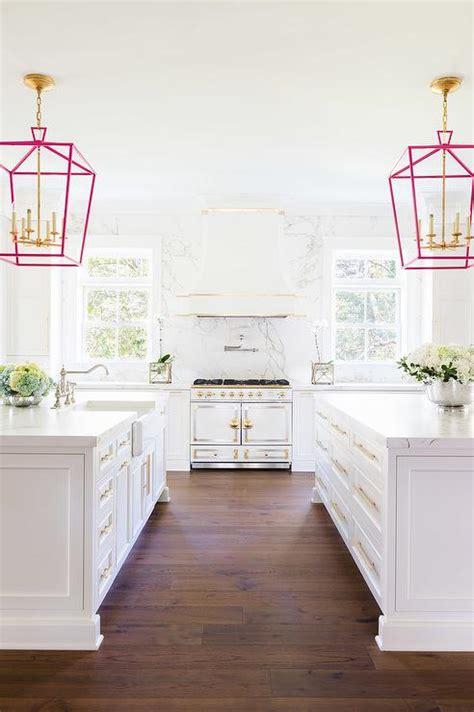 White Kitchen Gold Eye by Silestone Quartz Marengo Countertops Design Ideas