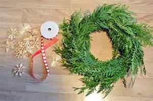 Faire Une Couronne De Noel : funky sunday diy fabriquez votre couronne de no l ~ Preciouscoupons.com Idées de Décoration