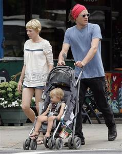 Heath Ledger, Michelle Williams, and Matilda out for a ...