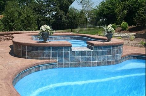i like the tile and no coping pool edge