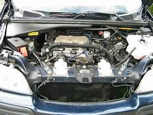 2003 Chevy Venture Hood Open