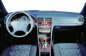 Mercedes W210 Fiche Technique : saga mercedes classe c avec le lancement de la classe c au d but des ~ Medecine-chirurgie-esthetiques.com Avis de Voitures