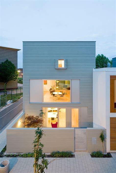 Minimalist Exterior Home Design Ideas by 5 Characteristics Of Modern Minimalist House Designs