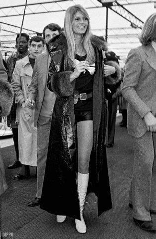 brigitte bardot 60er mode brigitte bardot und fran 231 ois cevert auf der rennwagenschau in 1971 60er auf bardot