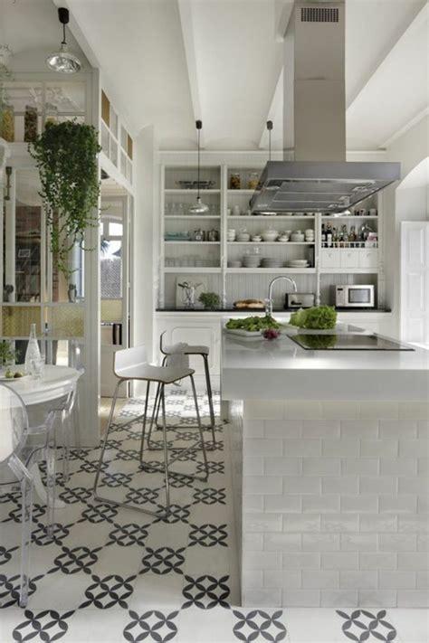 carrelage ancien cuisine comment décorer avec le carrelage ancien 62 photos pour