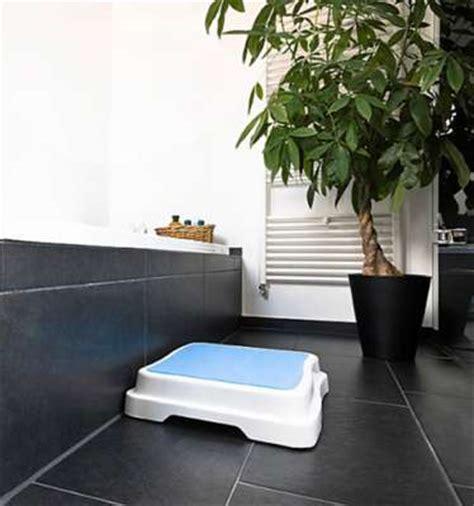 Duscheinstieg Zu Hoch by Badezimmer Mit Dusche Und Badewanne Modern Wasserpumpe