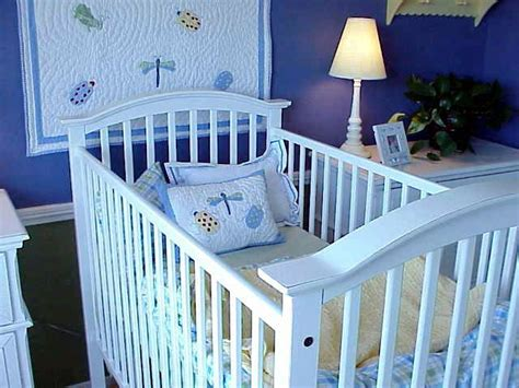 Decorate A Baby's Room On A Budget