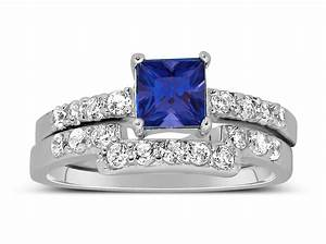 Luxurious 2 carat princess cut blue sapphire and white for Blue sapphire wedding ring set