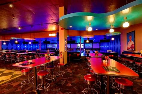 dave busters outlook misses  mark   stock