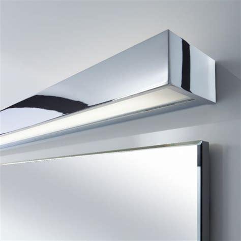 Wand  oder Spiegelleuchte 120cm   Nickelmatt oder Chrom