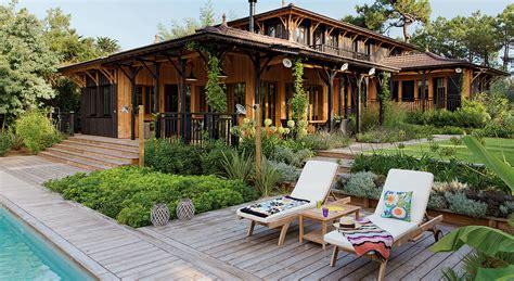 comment vendre un canapé déco une maison en bois de rêve à l 39 inspiration coloniale