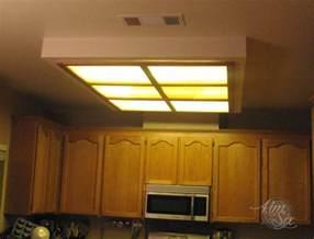 Fluorescent Kitchen Light Box