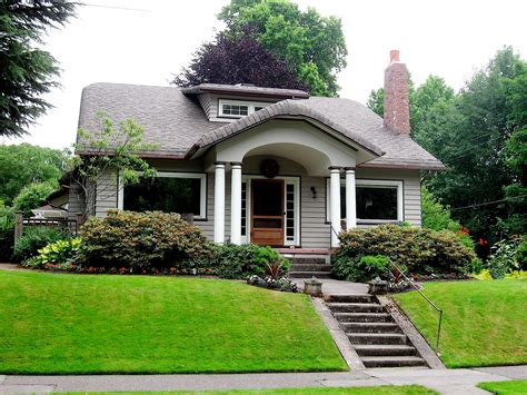 Beautiful Greeny House Outside Look Photo