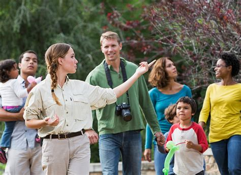 Tour Guide: How to Start an Engaging Career - Enrich Jobs