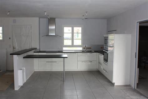 cuisine sol gris clair quelle couleur cuisine avec carrelage gris moyen 8 messages