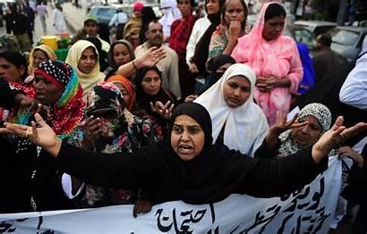 Polio Workers Vaccination Weapon Pakistan Against Karachi