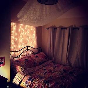 Very small teenage girl attic bedroom design with hanging