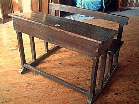meuble bureau ancien bureau ou pupitre ancien d 39 école avec encriers en