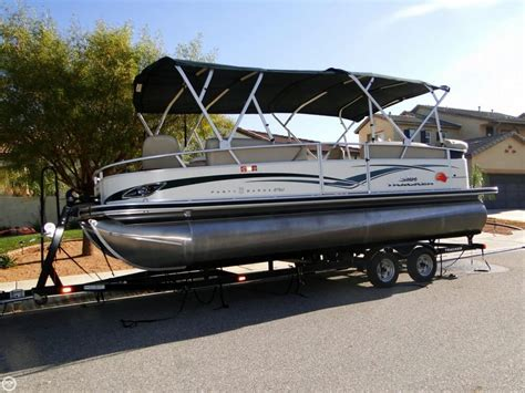 Used Tracker Pontoon Boats by 2011 Used Sun Tracker Barge 22 Sport Fish Regency