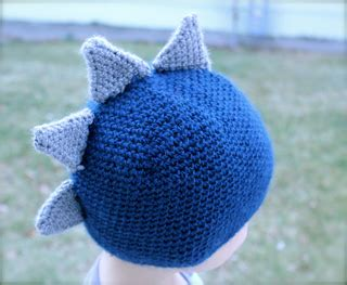 creat and craft ravelry stegosaurus dinosaur hat pattern by boccolucci 1801