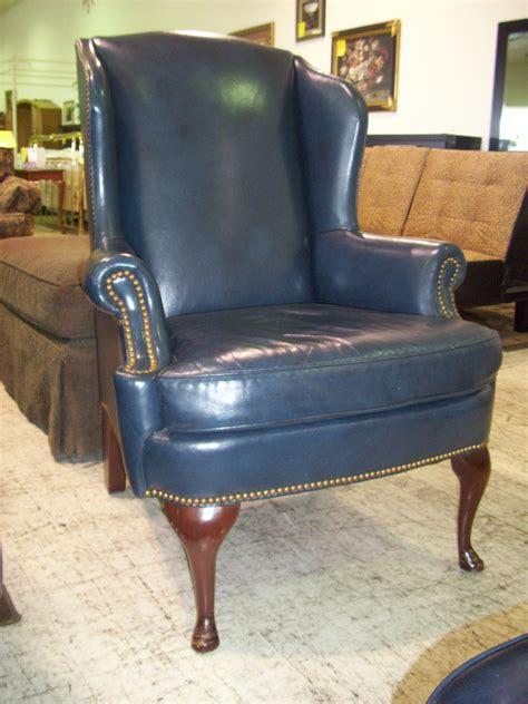 furniture elegant queen anne recliner  luxury armchair