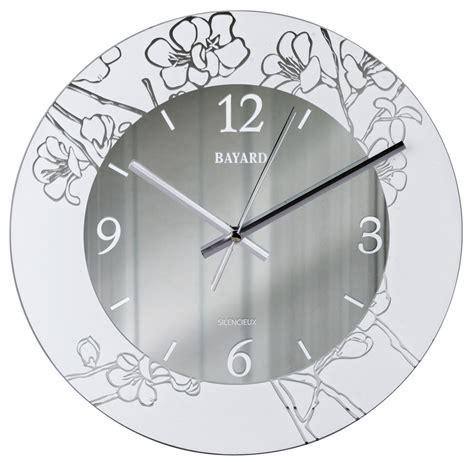 pendule design cuisine pendule murale silencieuse argentée decor floral pendule