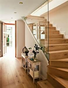 Treppenaufgang Mit Tür Verschließen : 50 bilder und ideen f r treppenaufgang gestalten ~ Orissabook.com Haus und Dekorationen