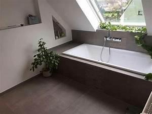 Kinderbett Unter Dachschräge : badewanne unter dachschr ge tolle fliesen dazu wohnung ~ Michelbontemps.com Haus und Dekorationen