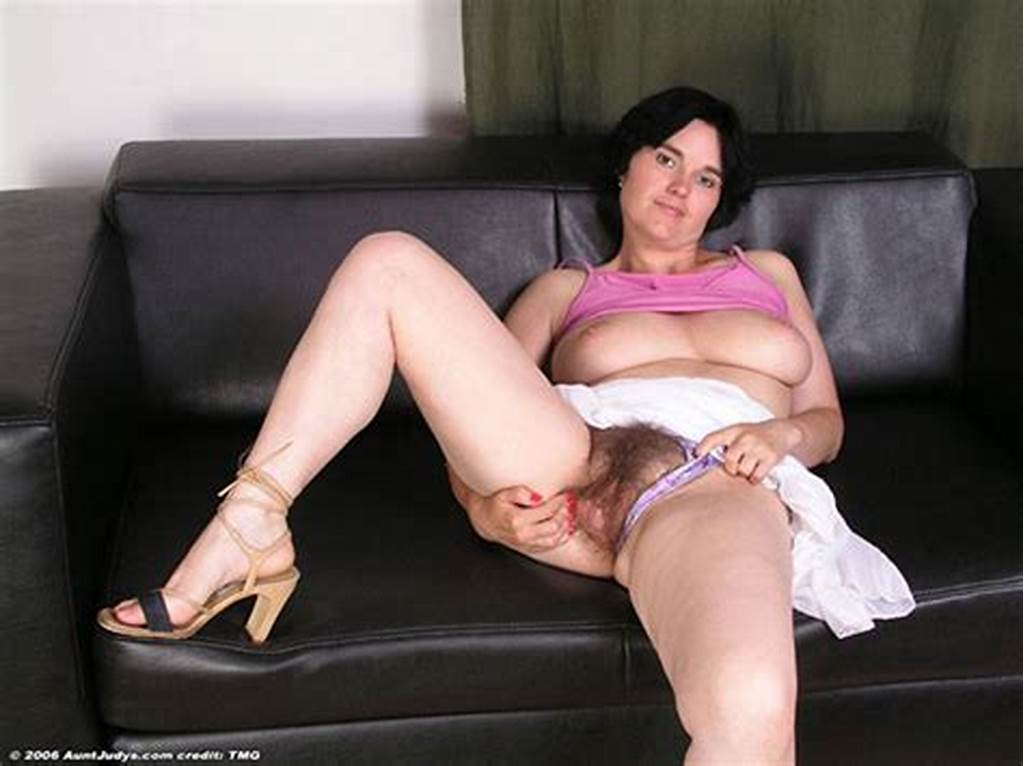 #Shorthaired #Brunette #Older #Mom #With #Hairy #Pussy #Spreading