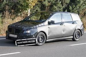 Futur Mercedes Classe B : spyshot future mercedes classe b ~ Gottalentnigeria.com Avis de Voitures