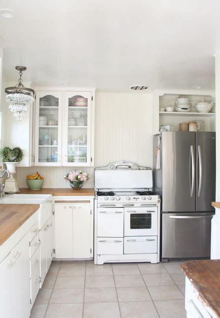cuisine romantique 1940 39 s shabby chic bungalow kitchen romantique