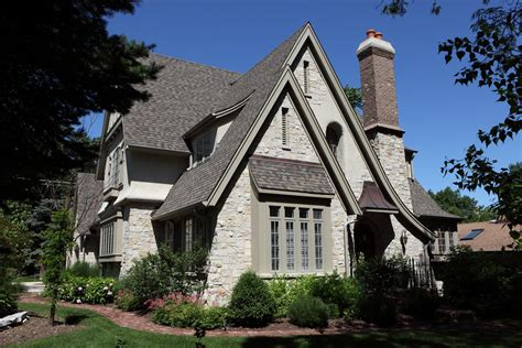 English Cottage Style House Plans With Pretty Garden