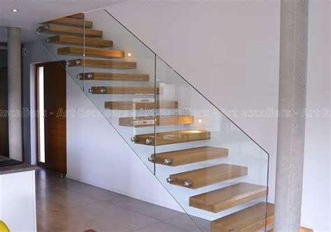escalier sans garde corps de conception de maison