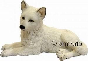 Bébé Loup Blanc : vente statuette figurine figurine b b loup blanc allong ~ Farleysfitness.com Idées de Décoration