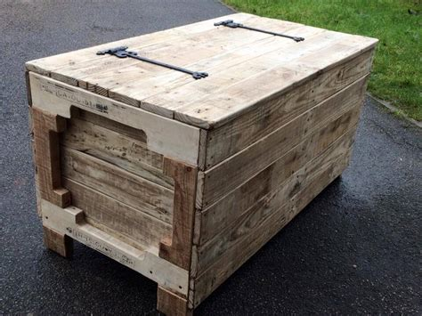 Diy Wooden Pallet Chest Designs Blum Tandembox Drawer Front Removal Hemnes Chest Of Drawers Instructions 3 Oak Dressing Table French Farmhouse Rustic Solid 2 Bunk Bed With Under Foxy Mirrored Stripe Accent Malm 6 Dresser White Review Wardrobe And In One