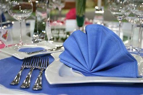 Kā salocīt auduma salvetes galda apkalpošanai? Kā skaisti ...
