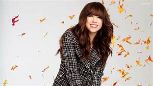 Carly Rae Jepsen Pics Full HD Pictures