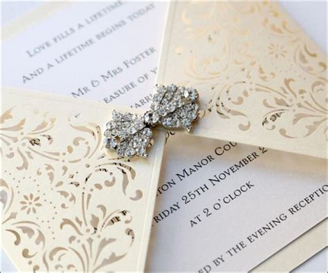 9 Fancy Wedding Invitation Cards That'll Leave Your Guests