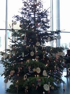 Weihnachtsbaum Entsorgen Berlin : herforder baumschmuck schm ckt den weihnachtsbaum im ~ Lizthompson.info Haus und Dekorationen