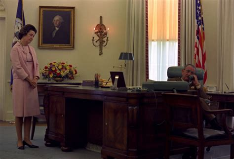 bureau president which of these 6 oval office desks will donald