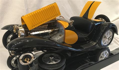 It was obviously a very expensive project, and their only attempt at that particular model. Collector Studio - Fine Automotive Memorabilia - 1/8 1935 Bugatti Type 55 Roadster