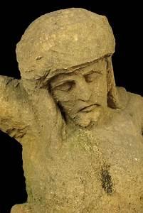 Pierre Du Gard : impressionnante sculpture buste du christ xviieme si cle ~ Dode.kayakingforconservation.com Idées de Décoration