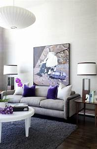 Wohnzimmer Einrichten Farben : wohnzimmer einrichten grau lila ~ Lizthompson.info Haus und Dekorationen
